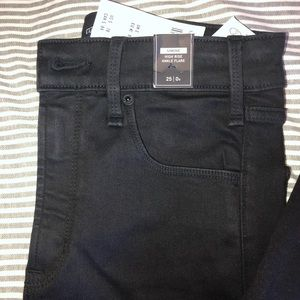 NWT women's Abercrombie & Fitch ankle flares
